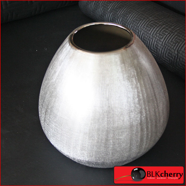 silver round vase blkcherry lifestyle furniture. Black Bedroom Furniture Sets. Home Design Ideas